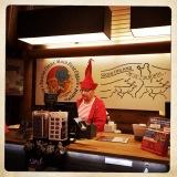 un elfo al lavoro